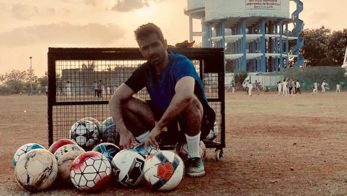Varun Mitra plays Badal in Bombers FC