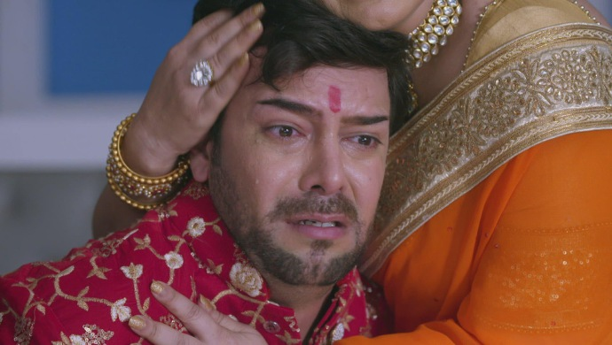 Still from Kundali Bhagya with Prithvi and his mother